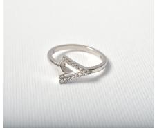 Серебряное кольцо с фианитом (т162620)