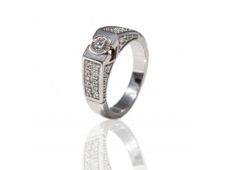 Золотое кольцо с бриллиантом (Б10232)