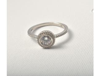 Серебряное кольцо с фианитом (т1624488)
