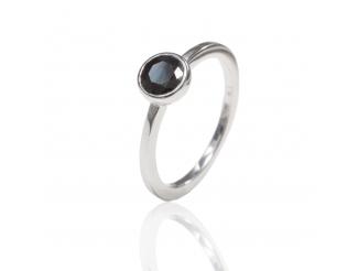 Золотое кольцо с сапфиром (23129190)