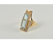 Золотое кольцо с топазом (112-526т)