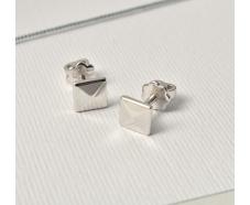 Серебряные серьги-пуссеты (т261619)
